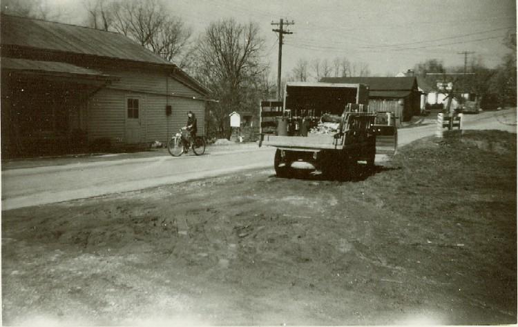 Bullittsville street scene, 1947