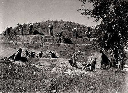 Excavation at the Robbins Mound Site in Boone County, 1940 (taken from the William S. Webb Museum Digital Archives)