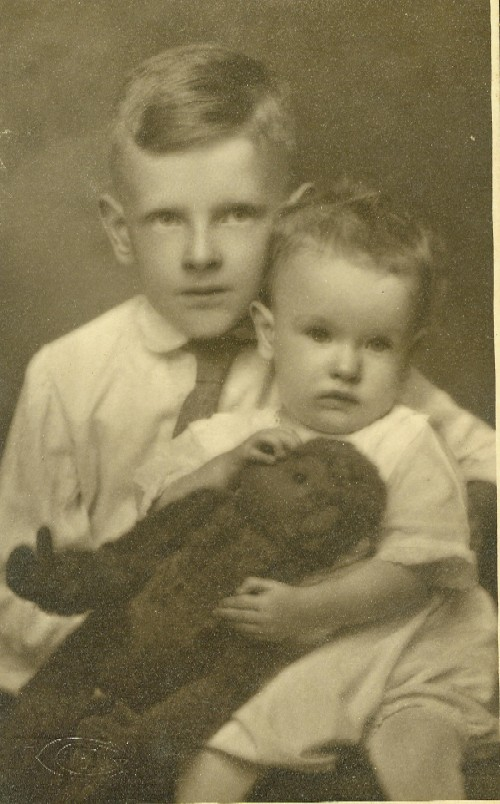 Paul and Bobby Tanner during the summer of 1921