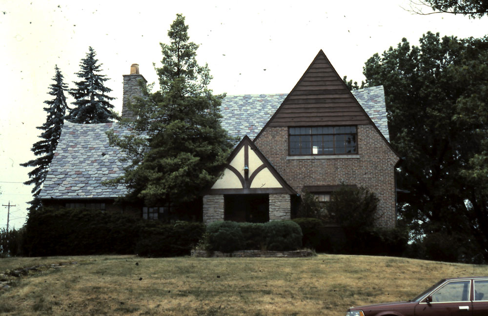 Bruce and Llewellyn Wallace House